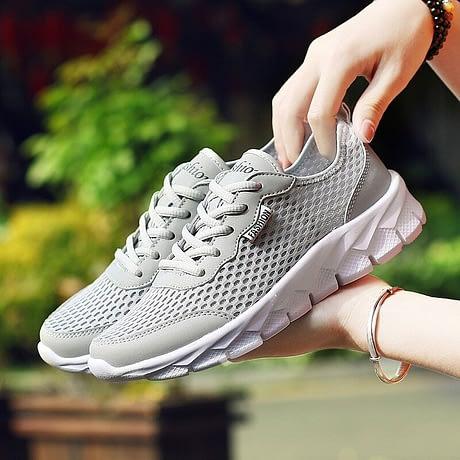 Light-comfortable-casual-shoes-woman-new-fashion-breathable-mesh-women-sneakers-tenis-feminino-baskets-femme-Women-1.jpg